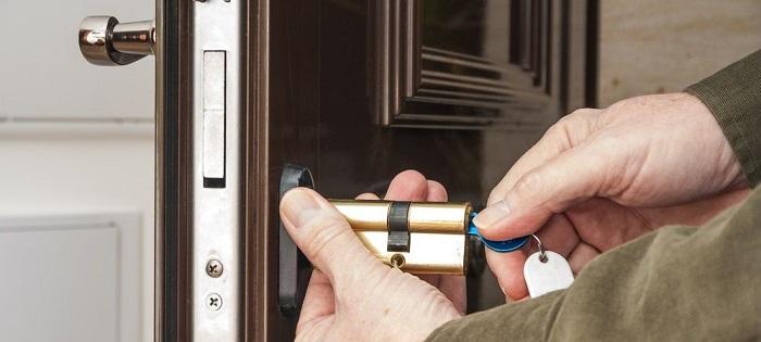 cuanto cuesta un cerrajero para cambio de cerradura